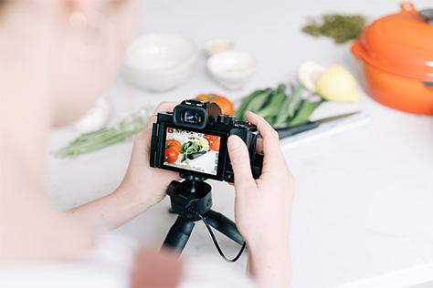 Zdieľajte svoj život s novým foto-videoaparátom LUMIX G100