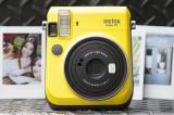Fujifilm Instax, fotoaparáty pre okamžitú fotografiu